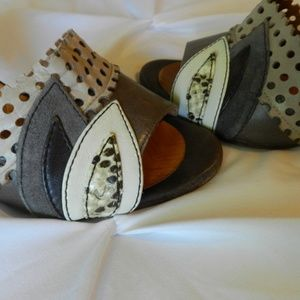 Chie Mihara Shoes - Vulcano sandals by Chie Mihara